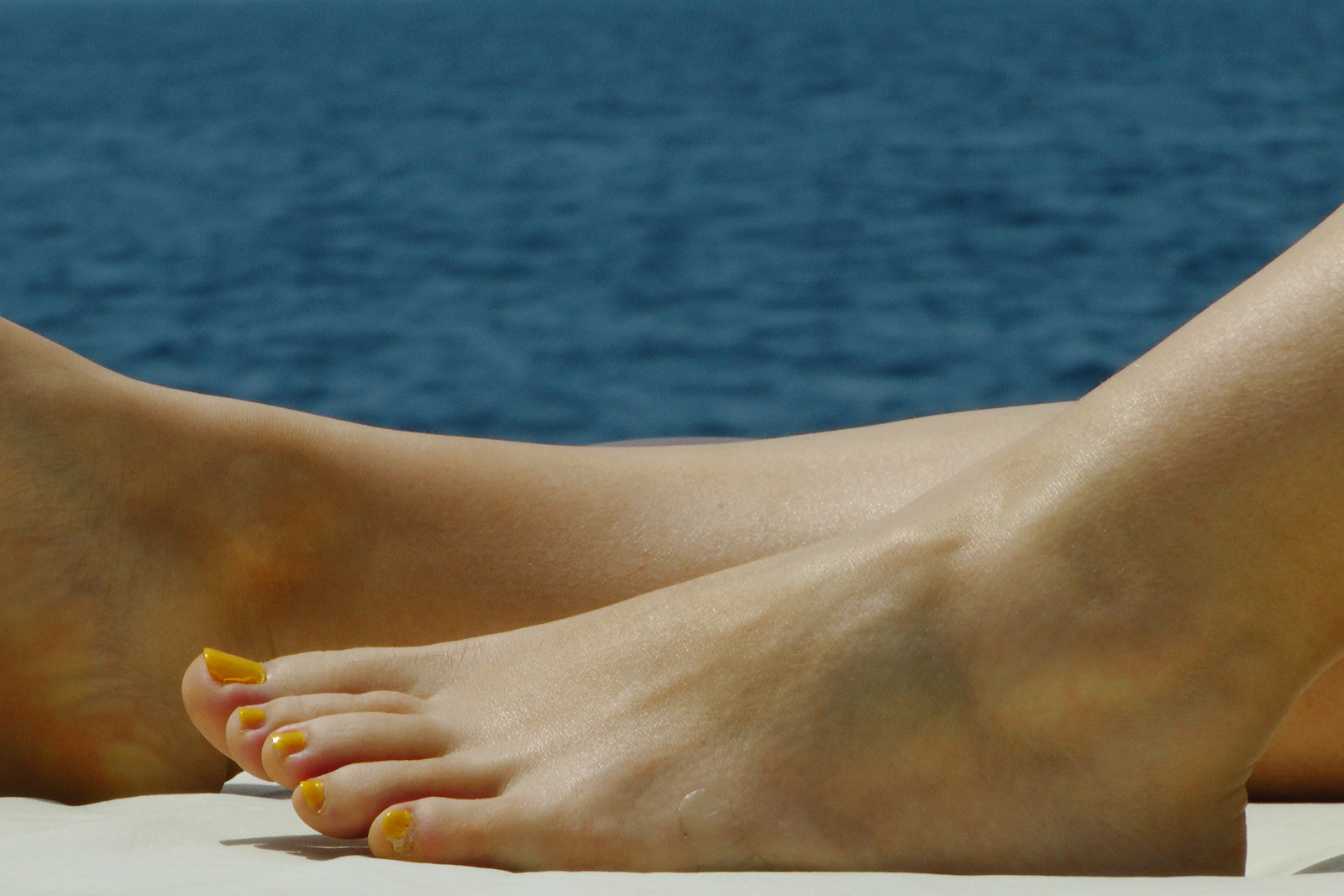 Feel the sun and get some tan_Sounio Cruise